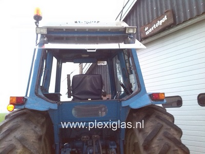 tractor plexiglas achterraam