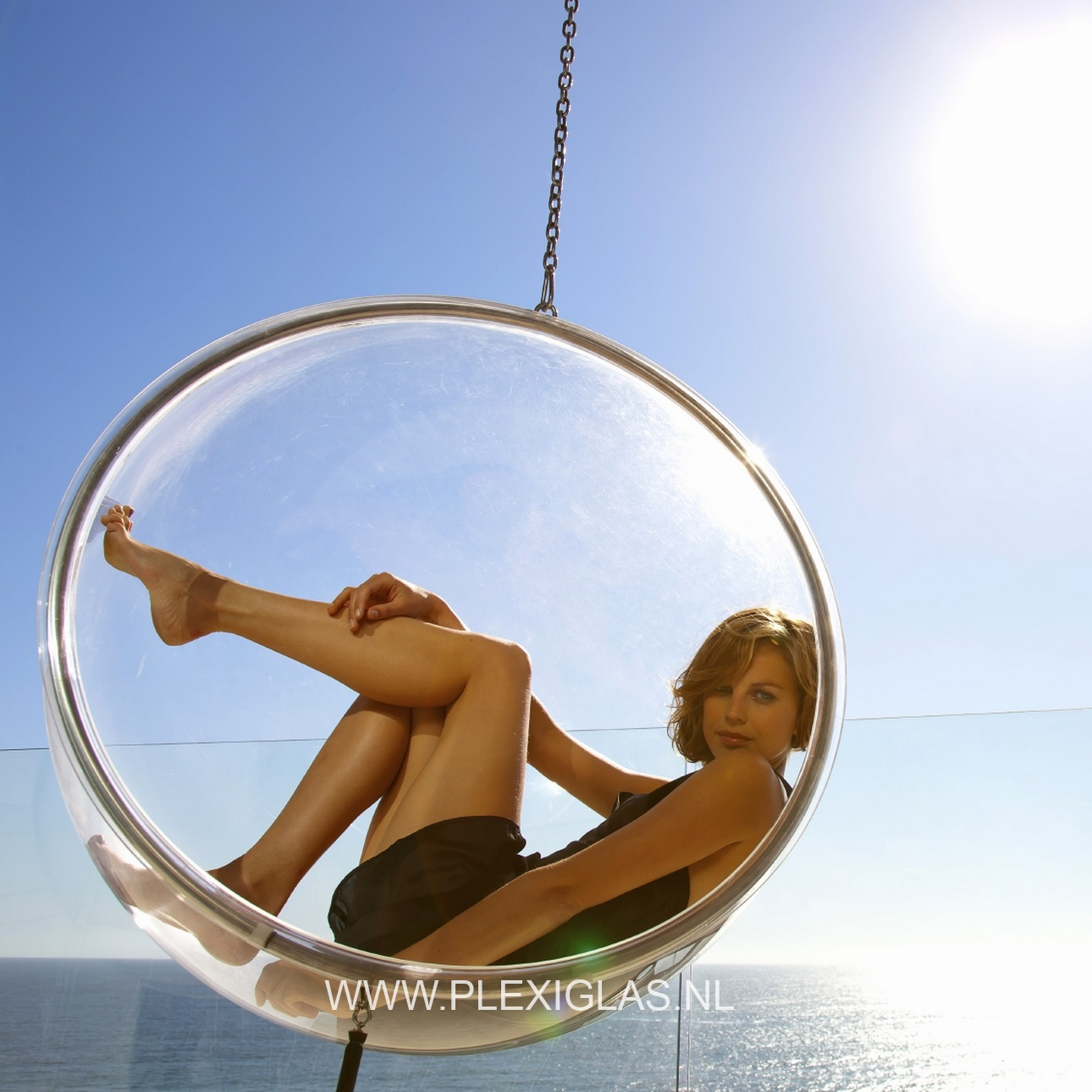 plexiglas hangstoel
